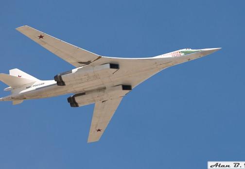 Стратегический бомбардировщик Ту-160 (Белый лебедь)