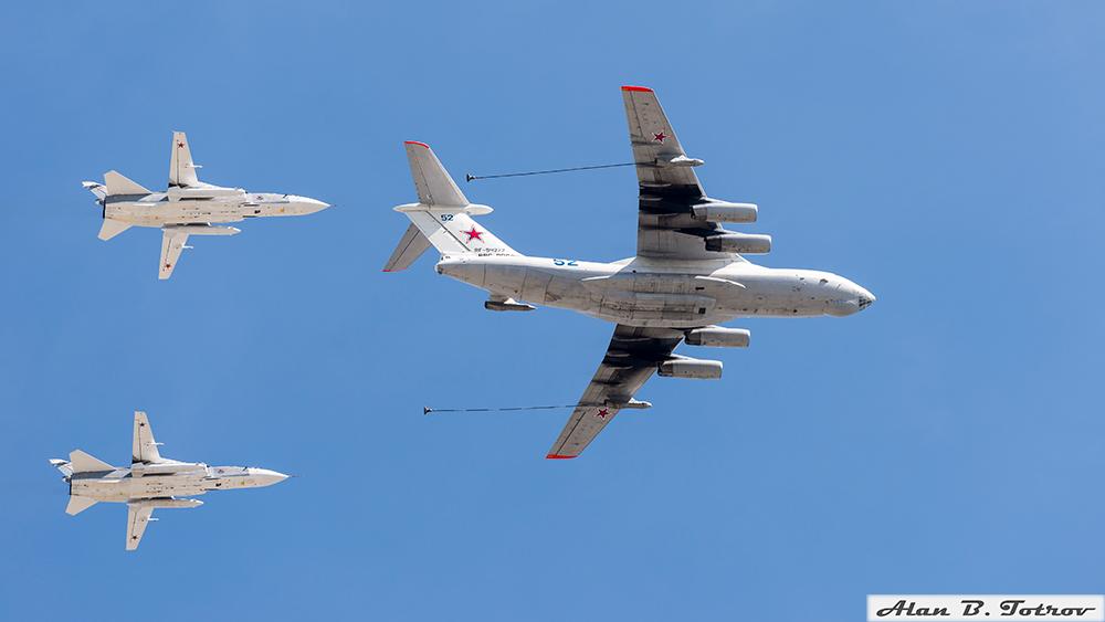 Топливозаправщик Ил 78 и Су-24